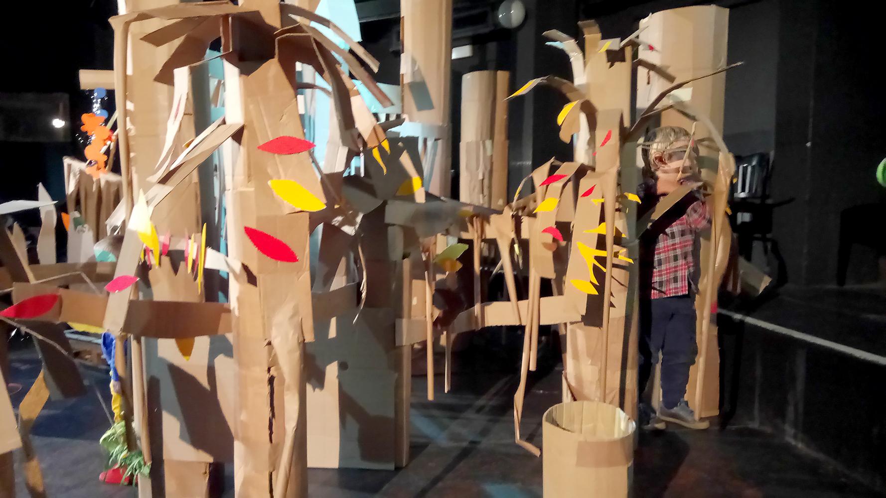 Radionica: Šuma od papira (pleše)